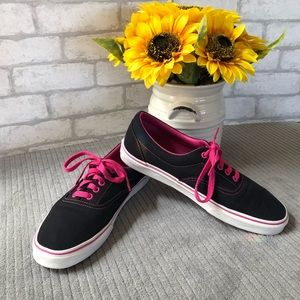 meet e1613 96b93 Vans canvas tennis shoe for sale